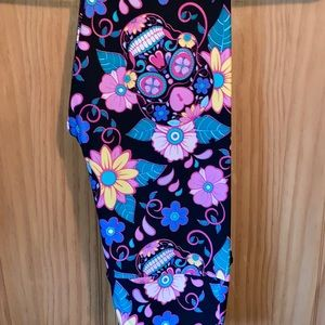 NWT OS LLR Sugar Skulls & Floral Printed Leggings